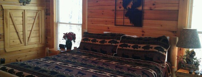Moonlight Obsession is one of Pet Friendly Cabins in the Smokies.