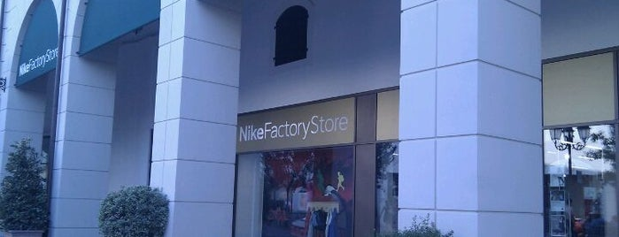 Nike Factory Store is one of I miei luoghi.