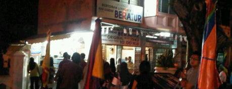 Nasi Kandar Beratur is one of Top 10 dinner spots in Pulau Pinang, Malaysia.
