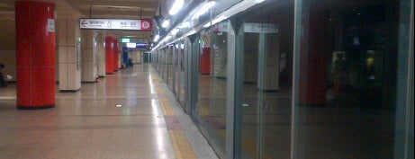 Seokchon Stn. is one of Subway Stations in Seoul(line5~9).