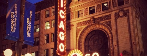 The Chicago Theatre Is One Of 15 Best 24 Hour Places In Loop