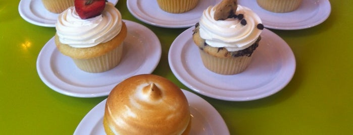 Molly's Cupcakes is one of CHICAGO: EAT,SHOP,DAZE.