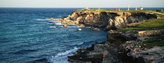 Punta Sur is one of CrystttalitoFest.