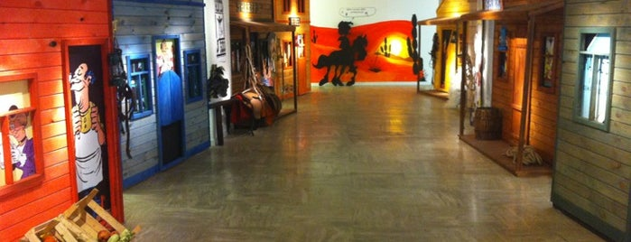 Yapı Kredi Kültür Merkezi is one of Art Galeries & Exhbitions in Istanbul.