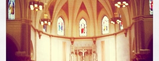Church of the Gesu is one of Things to do before graduating.