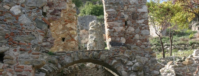 Mystras is one of Tower towns in Greece.