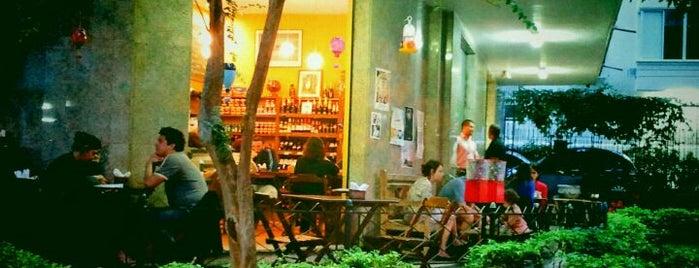Maya Café is one of Melhores Confeitarias, Padarias, Cafés do RJ.