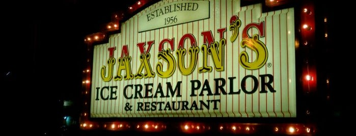 Jaxson's Ice Cream Parlour, Restaurant & Country Store is one of florida.