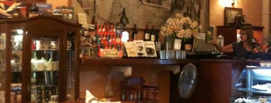 Café del Poeta is one of lugares buenos.