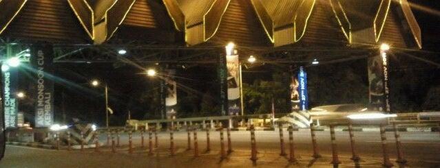 Jambatan Sultan Mahmud is one of Working place.
