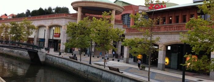Forum Aveiro is one of Shopping.