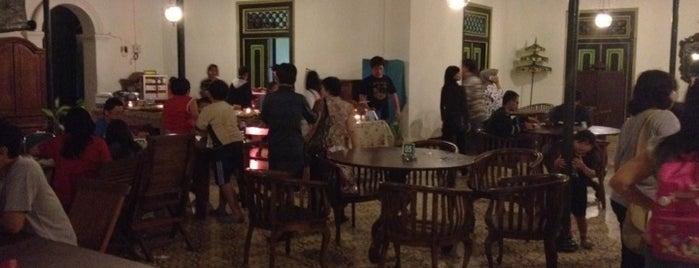 Pendopo Ndalem Resto is one of Must-visit Food in Yogyakarta.