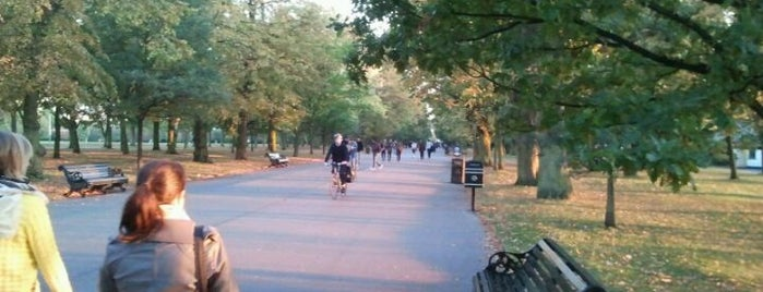 Regent's Park is one of Camden Town owns.