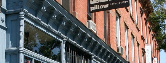 Pillow Cafe-Lounge is one of Loitering.