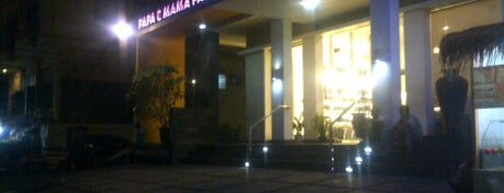 Papa & Mama Pastries is one of Muara Karang.