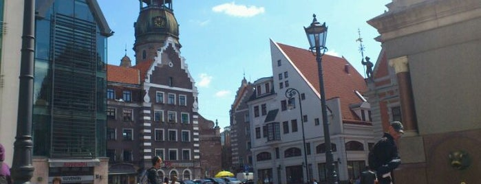 The Town Hall Square is one of UltimateRiga in 128 steps.