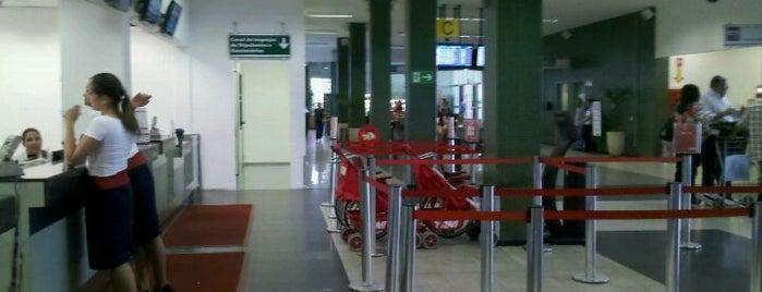 Uberlândia–Ten. Cel. Av. César Bombonato Airport is one of Aeroportos do Brasil.