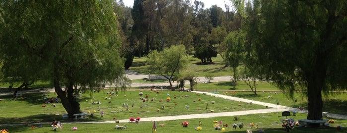 Los Angeles Pet Memorial Park is one of For K9 friends in SFValley+.