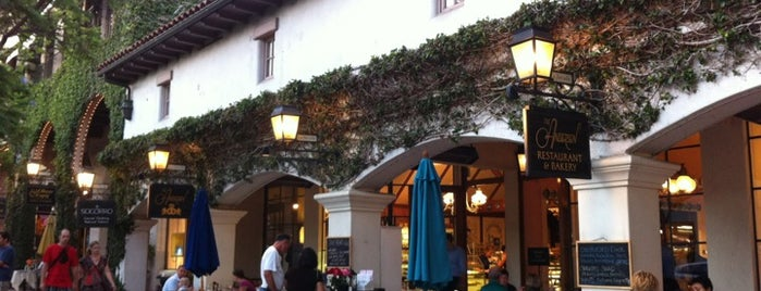 Andersen's Danish Bakery & Restaurant is one of Eating my way through SB.