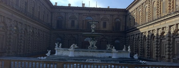 Pitti Palace is one of Mia Italia |Toscana, Emilia-Romagna|.