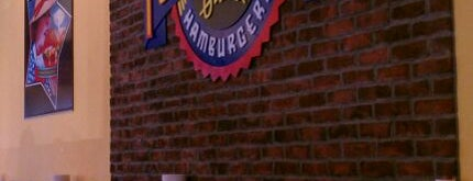 Fuddruckers is one of Place to eat.