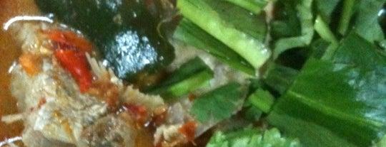 สุวิทย์ หัวปลามหาบัณฑิต is one of Thailand Must Eat.