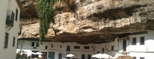 Mirador de Setenil de las Bodegas is one of 101 cosas en la Costa del Sol antes de morir.