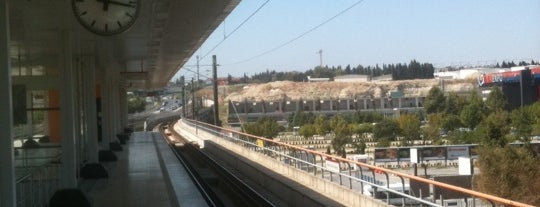 İDTM - İst. Fuar Merkezi Metro İstasyonu is one of M1A / M1B - Metro İstasyonları.
