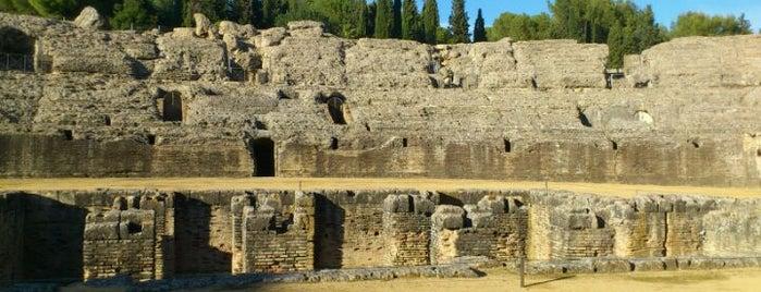 Conjunto Arqueológico de Itálica is one of Parchi e musei archeologici.