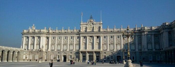 Palacio Real de Madrid is one of Conoce Madrid.