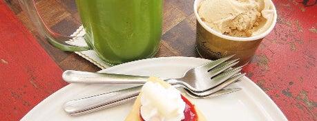 La Baguette is one of ╭☆╯Coffee & Bakery ❀●•♪.。.