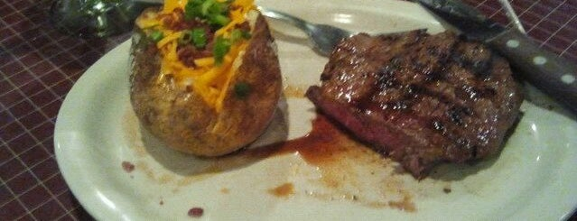 Lone Star Steakhouse is one of Food.