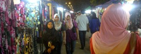 Pasar Malam Mega Taman Nuri is one of Best food porn in Alor Setar.