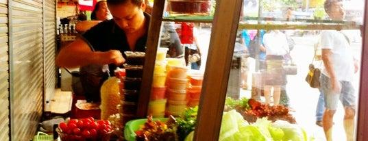 สลัดผัก   ป้ายรถเมล์สะพานควาย is one of Favorite Food.