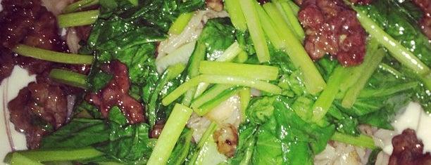 Phở Xào Bắp Bò Hàng Buồm is one of ăn uống Hn.