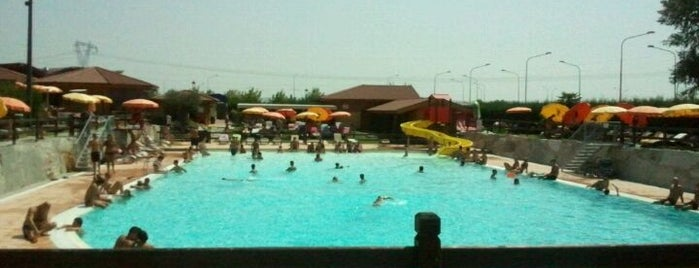piscina Castell'Apertole is one of sport & beach.