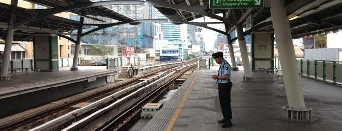 BTS Nana (E3) is one of BTS Station - Sukhumvit Line.