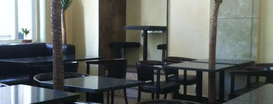 Cafe 6/12 is one of Free hotspot WiFi Warszawa.