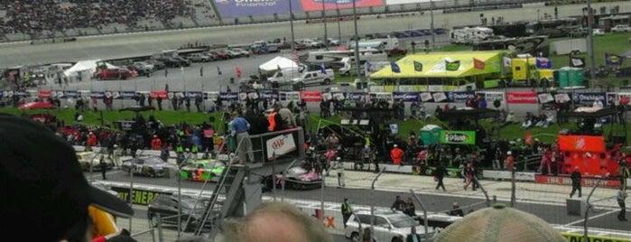 Dover International Speedway is one of Best Nascar Race Car Tracks.