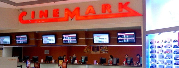 Cinemark is one of Shopping Metrô Santa Cruz.