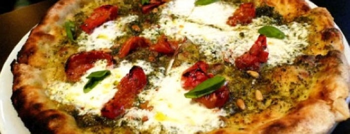 Urbano Pizza Bar is one of Los Angeles' Pizza Revolution!.