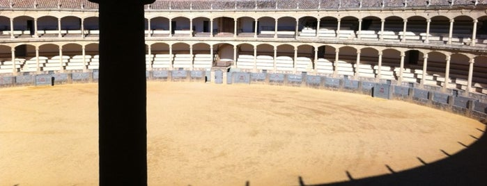 Plaza de Toros de Ronda is one of 101 cosas en la Costa del Sol antes de morir.