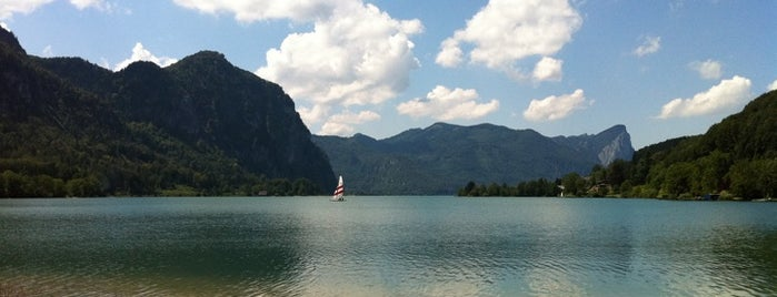 Mondsee is one of das schwimmwasser.