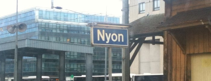 Gare de Nyon is one of Bahnhöfe.