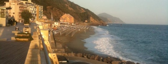 Spiaggia di Deiva Marina is one of Beach.