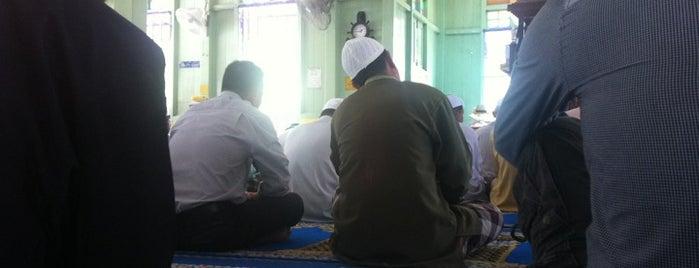 Masjid Jamek Hutan Melintang is one of masjid.