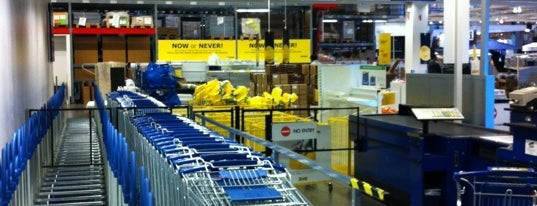 IKEA is one of เที่ยว Vancouver, Canada.