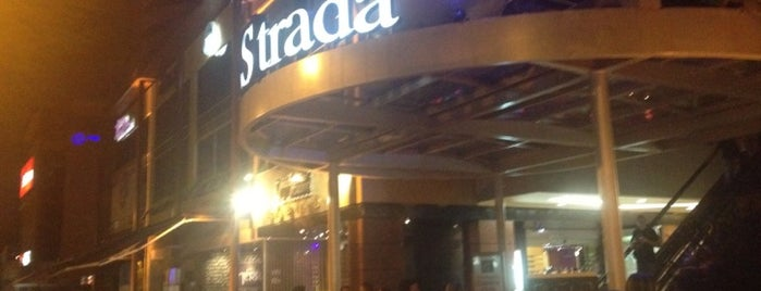 La Strada is one of RESTAURANTES MEDELLIN.