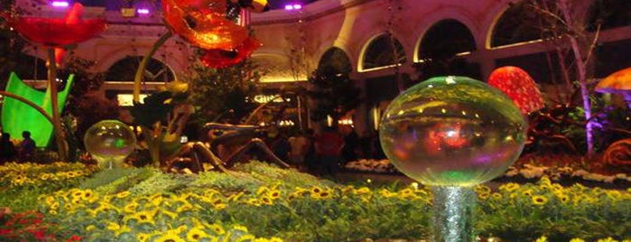 Bellagio Conservatory & Botanical Gardens is one of ETC TIP ~2.