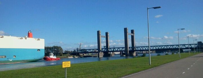 Calandbrug is one of Bridges in the Netherlands.